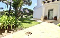 Entrada Villa