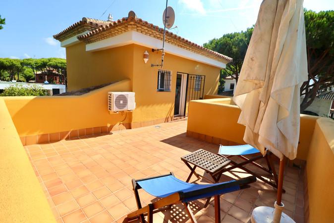 terrace-first-floor-villa-roche-ref40.jpg
