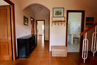 entrance-hall-access-living-room-ref06.jpg