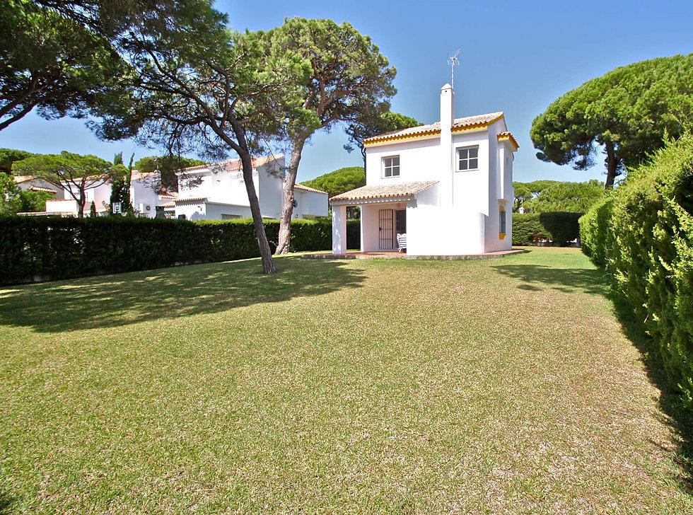nice-garden-property-porch-refv87.JPG