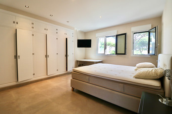 large-bedroom-wardrobe-ref13jpg
