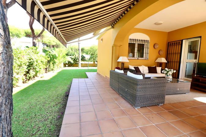 garden-covered-terrace-plot-ref40.jpg