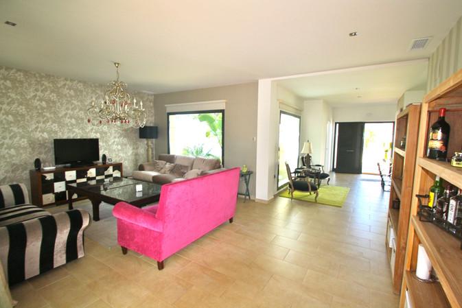 entrance-hall-living-room-ref159jpeg