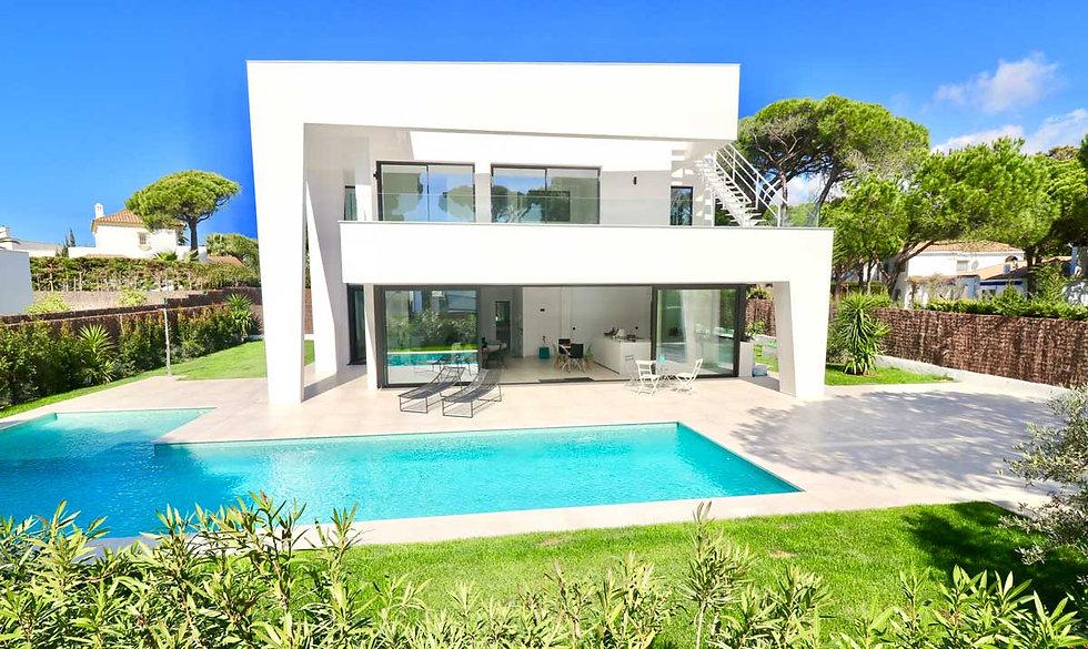 luxury-modern-property-pool-garden-refv5