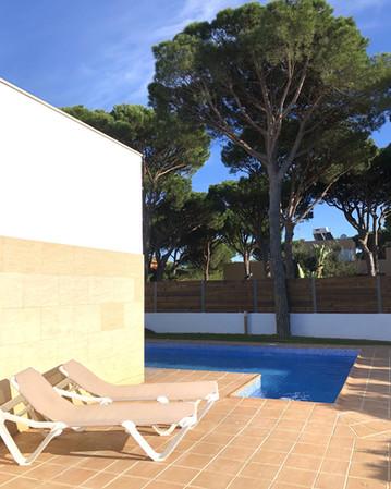 sun-loungers-pool-garden-ref159jpeg