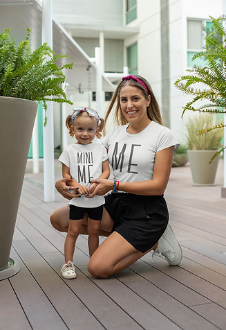 t-shirt-mockup-of-a-cool-mom-with-her-li