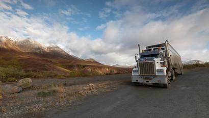 Riesen Truck zurück aus Inuvik