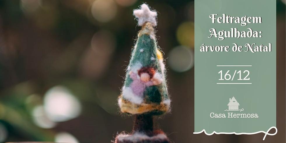 Feltragem agulhada: árvore de Natal