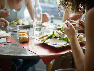 Personal trainer tips: Eating out…when you're leaning out!
