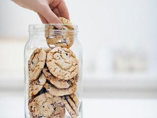 7 strategies to fight food cravings