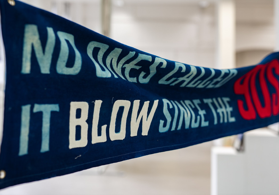 LINGUA FRANCA, Installation View Please Queue Here 2019, James Sirrell, Untitled (Blow), 2019 ©️James Sirrell. Courtesy the artist / Please Queue Here