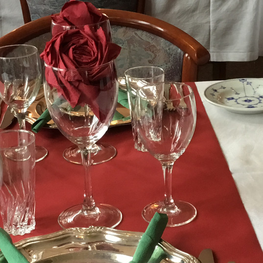 VALENTINE table.JPG