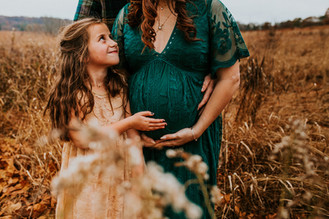 Winter Maternity Session at Valley Forge Historical Park  || Valley Forge Family Portrait Photograph