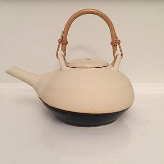 tea-pot-juriss.jpg