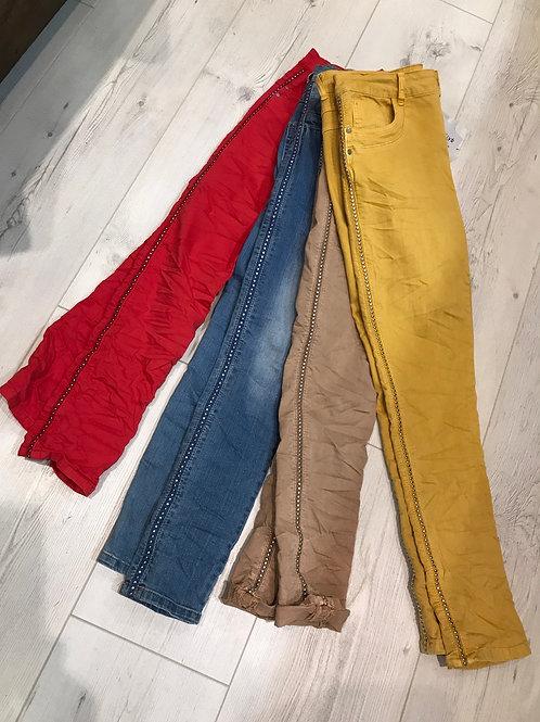 Jeans cloutés Taille du 34 au 44 (coloris au choix)
