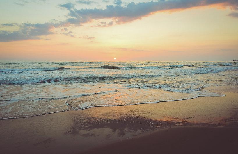 San Lorenzo sunset reflected in the sea_