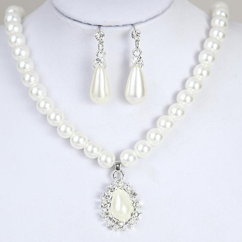 Beautiful White Peral Necklace For Bride With Earing  India