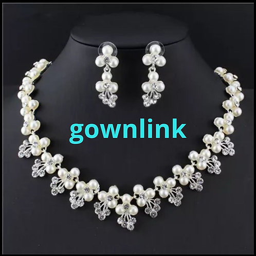 Bridal Pearl And Crystal Necklace  India N 72