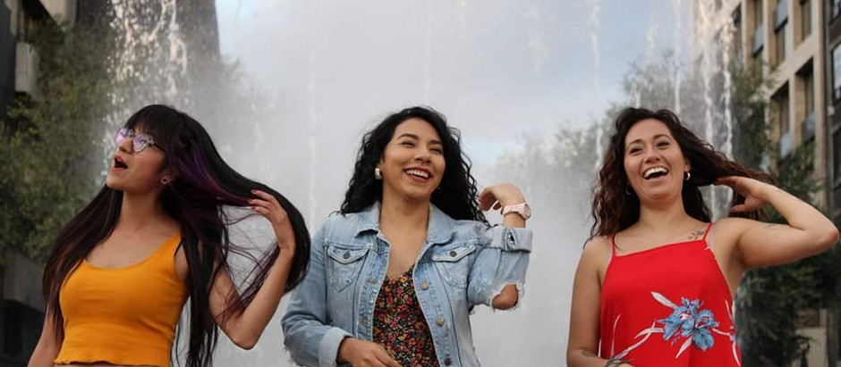Mujeres jóvenes y el entorno urbano de la CDMX