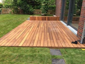 Terrassenbau Holz