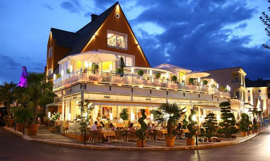 illago-restaurant.jpg
