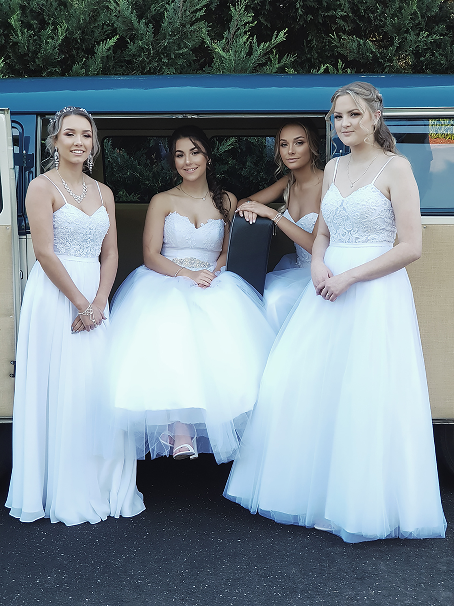 Casey Grammer Debutante Ball - Photo's by Kombi & Beetle Wedding & Debutante Car Hire (28)