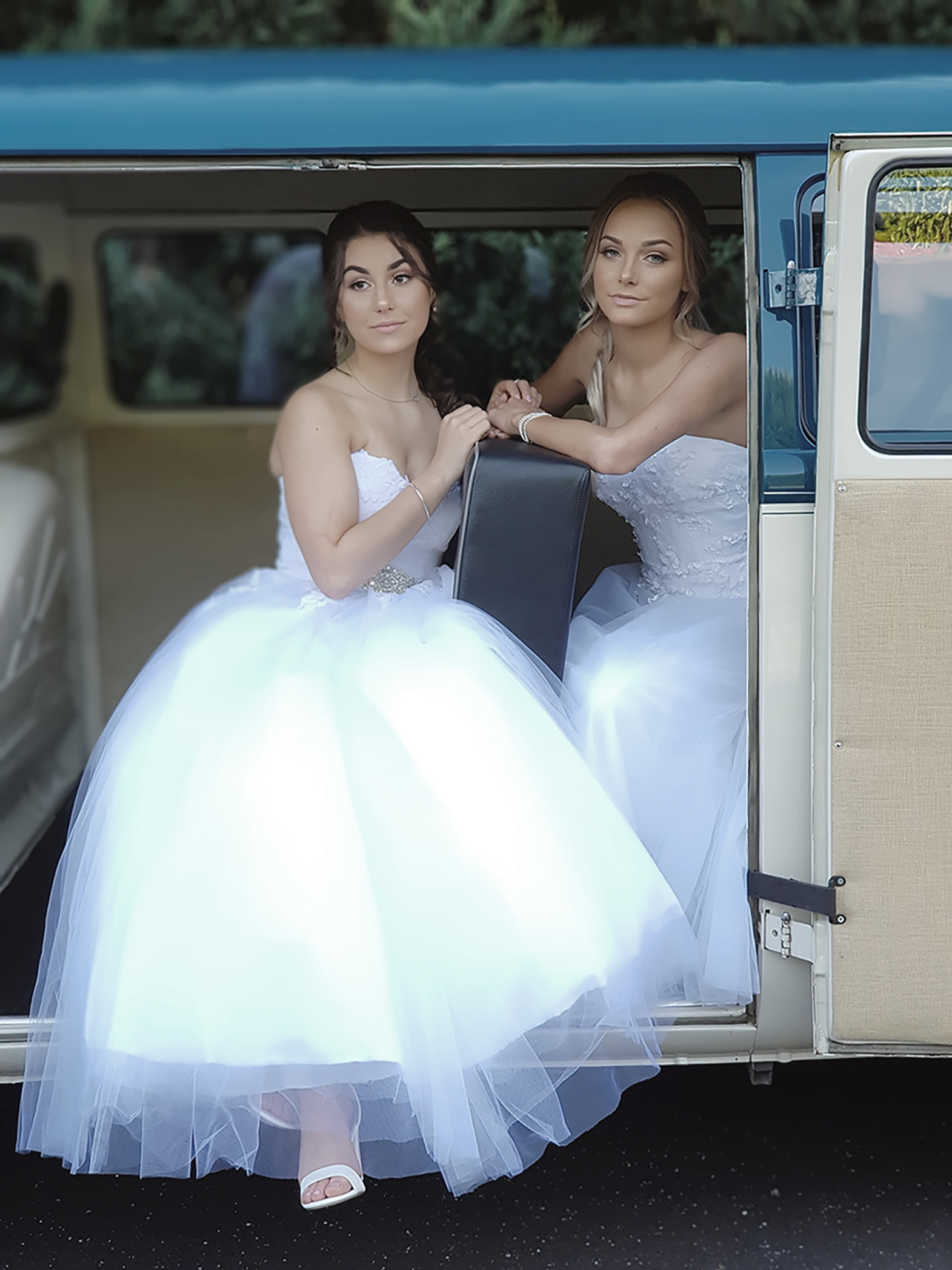 Casey Grammer Debutante Ball - Photo's by Kombi & Beetle Wedding & Debutante Car Hire (31)