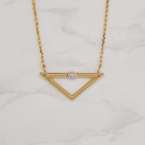 Vada yellow gold triangle modern pendant with diamond in Melbourne