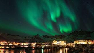 Mefjord Brygge Northern Lights.jpg