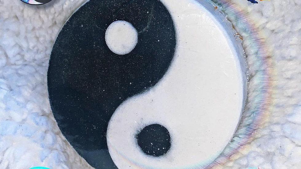 Yin Yang Bath Bomb