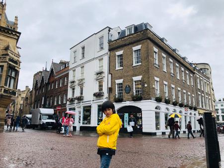 {英國劍橋}下雨天的劍橋校園,逛書店還比較實在。