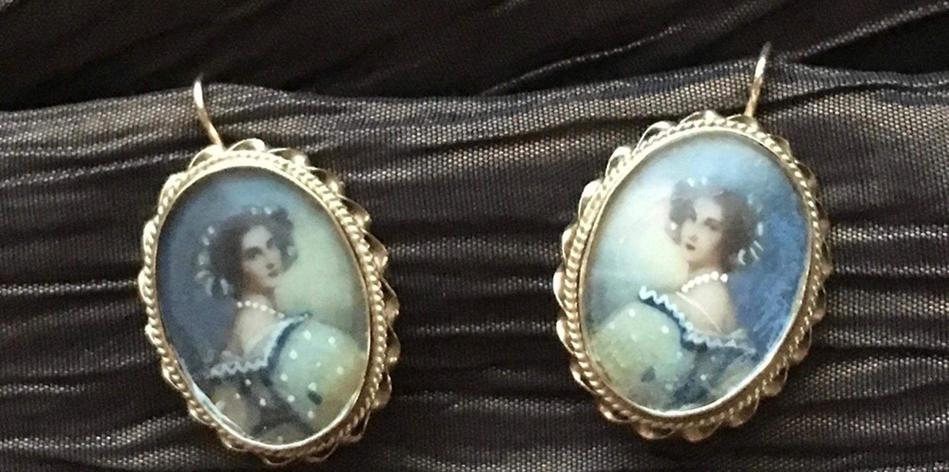 Victorian-Earrings-texturedBG.jpg