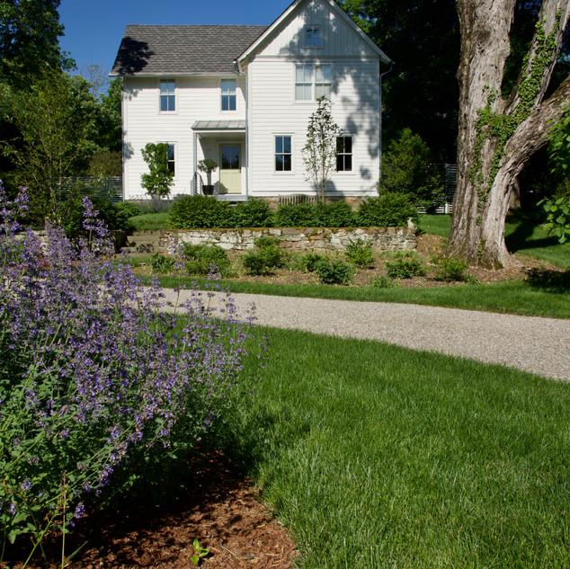 Front Yard / Pebble Driveway