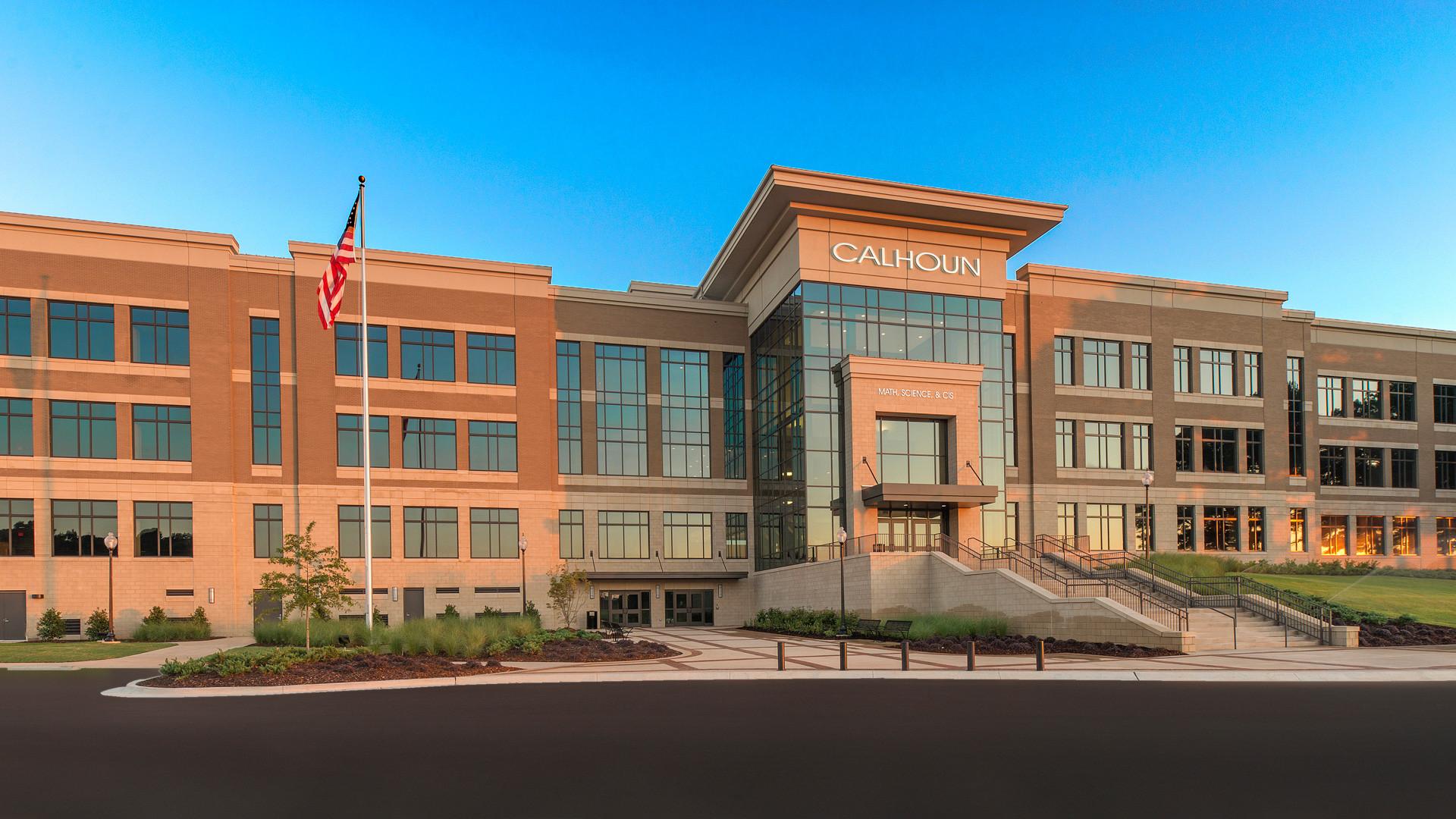 Calhoun Community College - Math, Science, and CIS Building