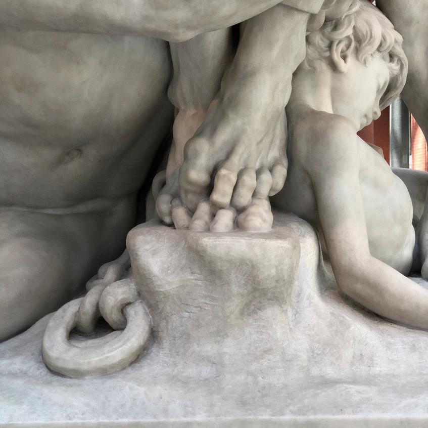 Gnarled toes