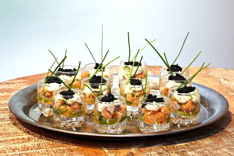 Tartare de Salmão c/ Chreve e Caviar
