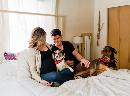 Lesley & Doug // Cozy In Home Maternity Session // Grand Rapids, Michigan