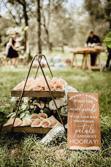 30 Dried Floral Confetti Cones with Display Stand & Signage