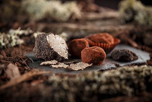 fine-chocolate-pralines-PEJZ59P.jpg