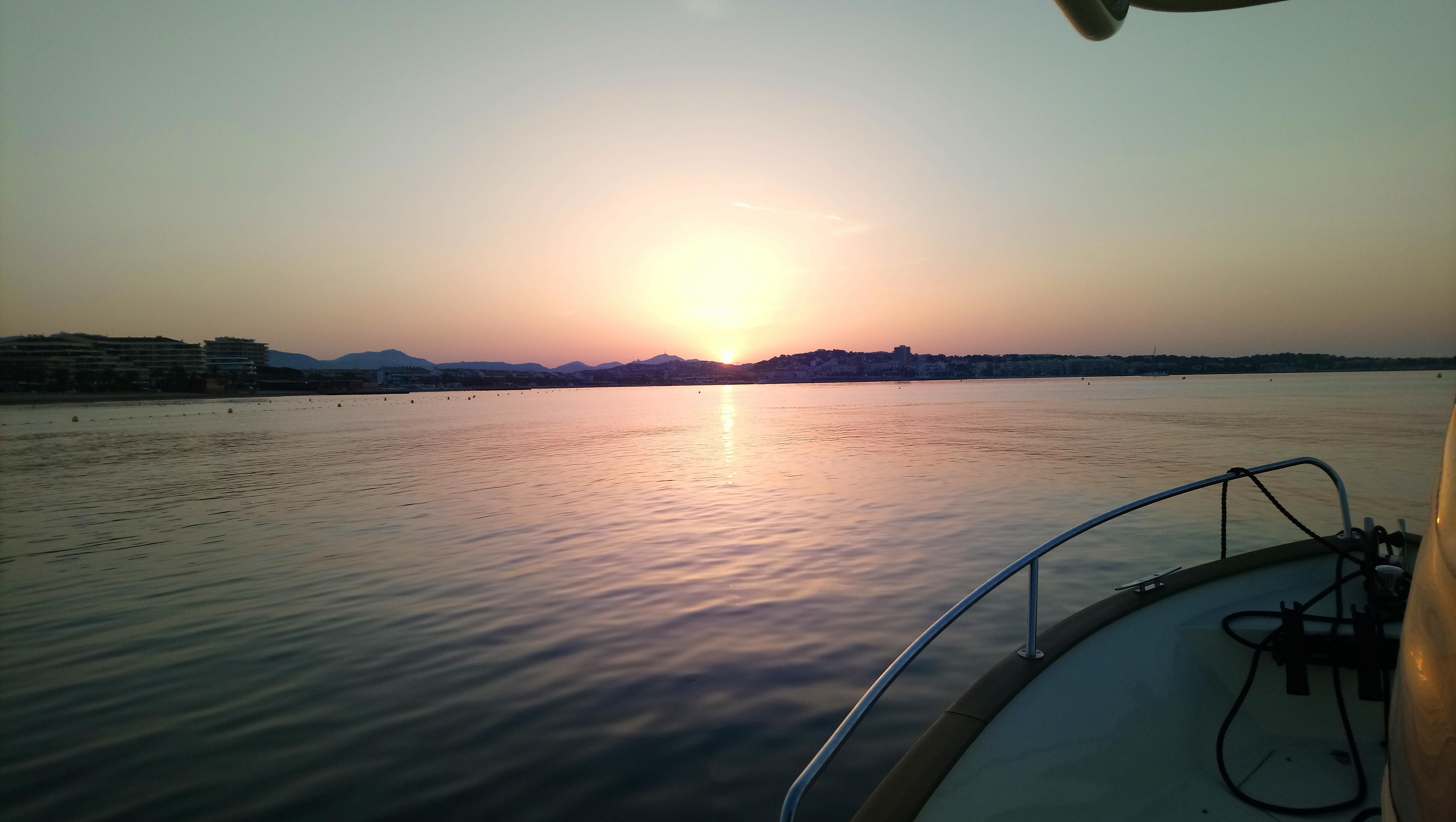 Pêche et coucher de soleil