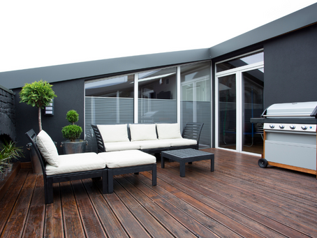 Types of Windbreaks for Your Terrace