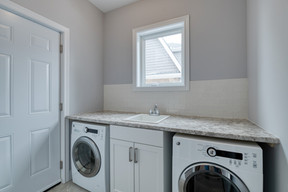 The Junction - Laundry Room