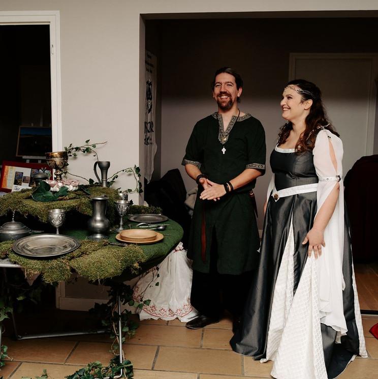 Mariage médiéval -Céline Larigaldie officiante cérémonie laïque