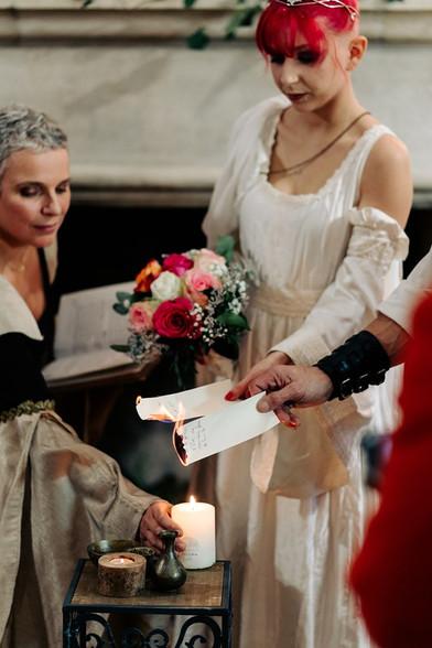 Rituel : brûler ses peurs - Céline Larigaldie Officiante de cérémonie laïque