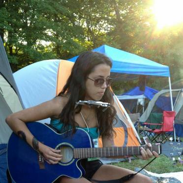 Brianna at Philly Folk Fest
