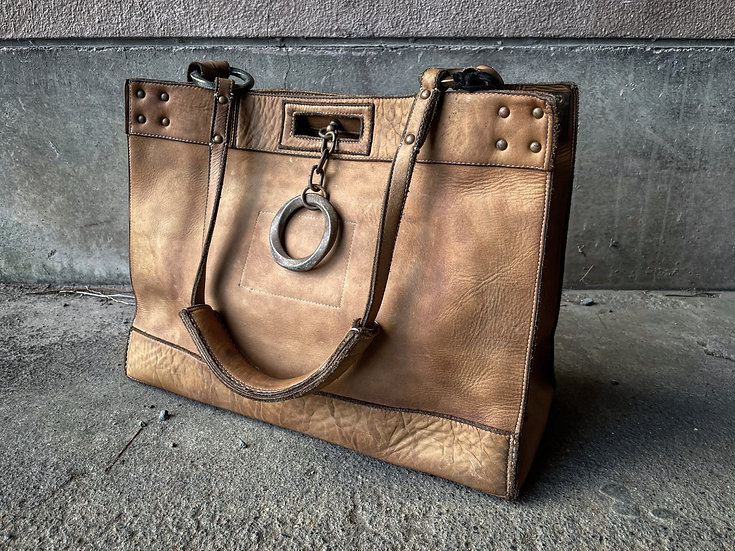 Cow leather ring tote bag