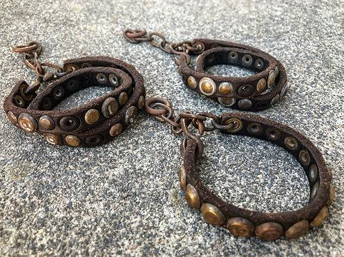 Crash dome studs bracelet
