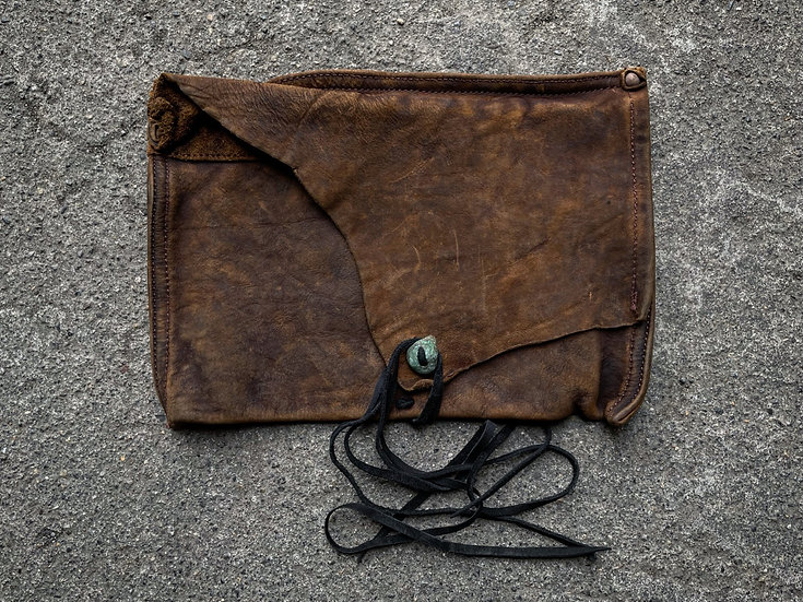 Aged oil nuback vintage pouch ②