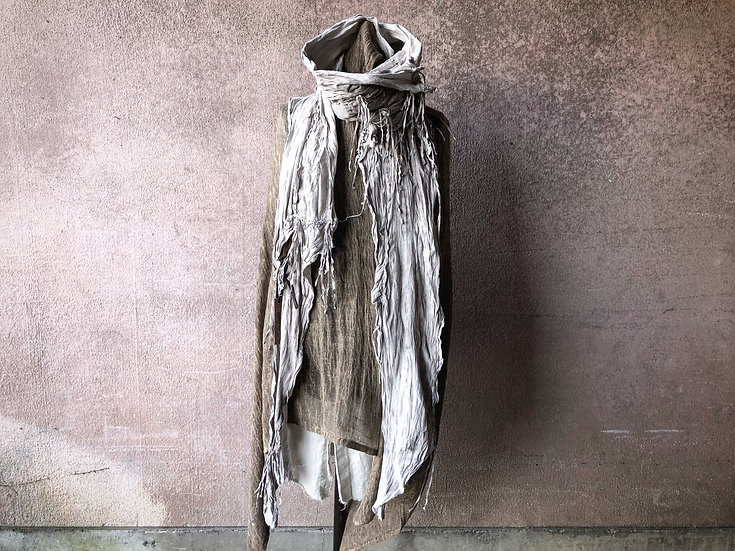 Sheep garment dyed leather stole [DW]