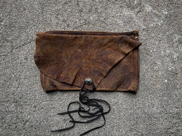 Aged oil nuback vintage pouch ③